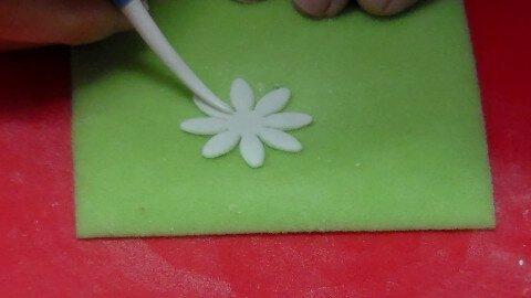 lavoriamo-i-petali-della-margherita