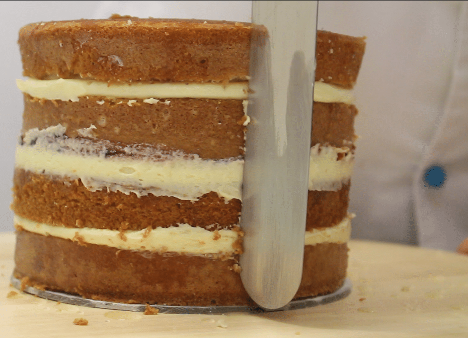 Come bagnare e farcire una torta
