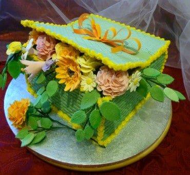 Torta decorata cesto di fiori