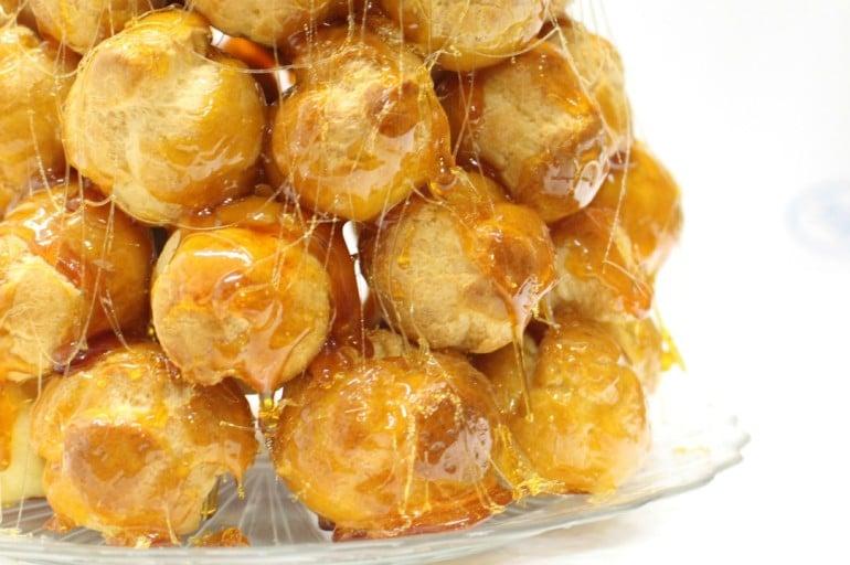 Croque en bouche (croquembouche) ricetta
