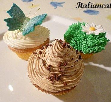 Ricetta e decorazione di cupcakes