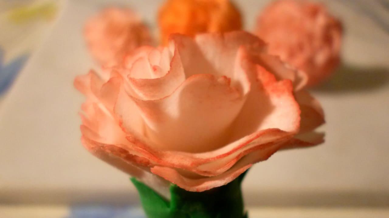 fiore garofano in pasta di zucchero