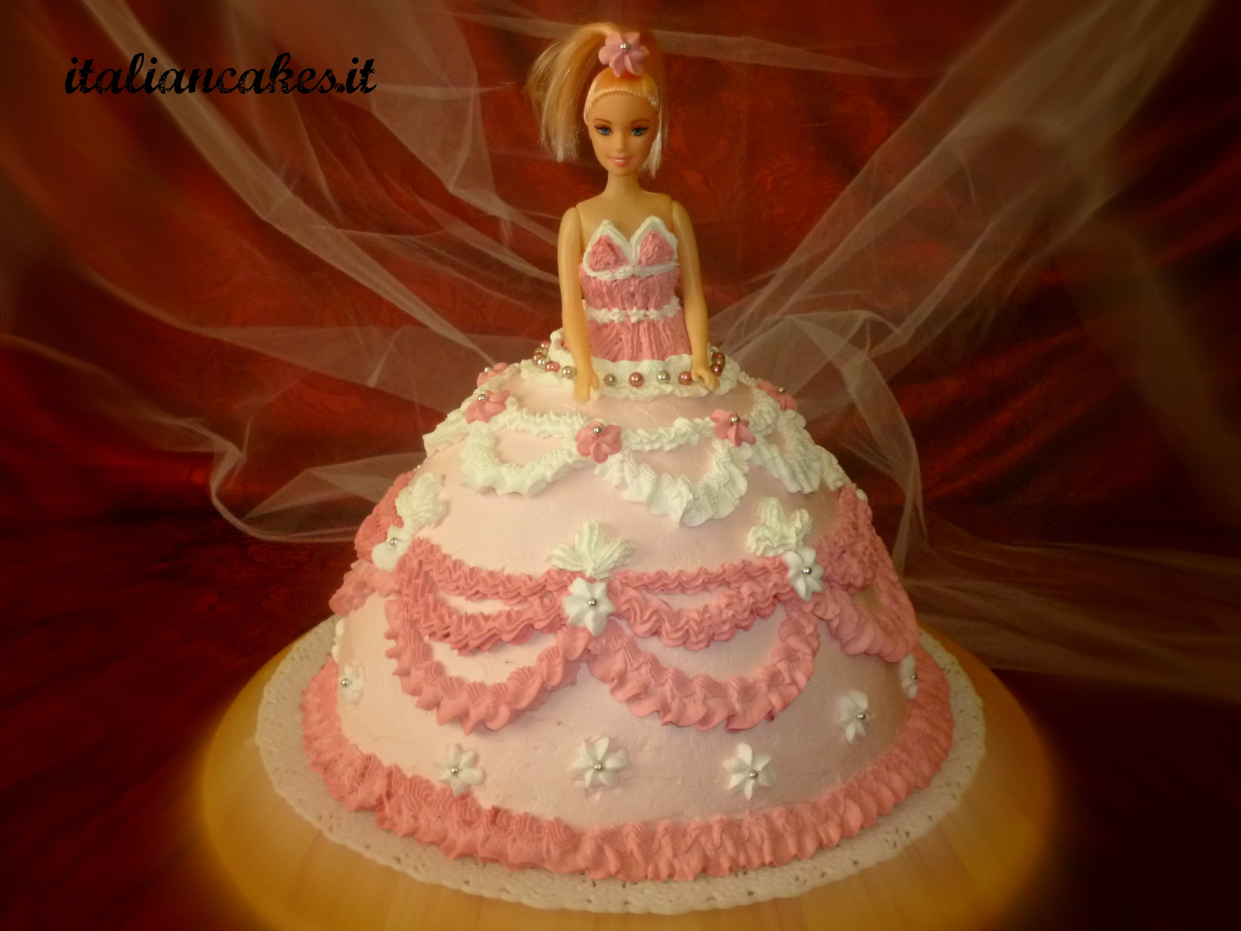 Torta Barbie decorata con Panna montata