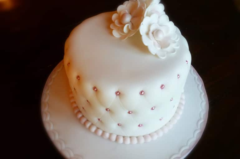 torta di compleanno effetto trapuntato italiancakes