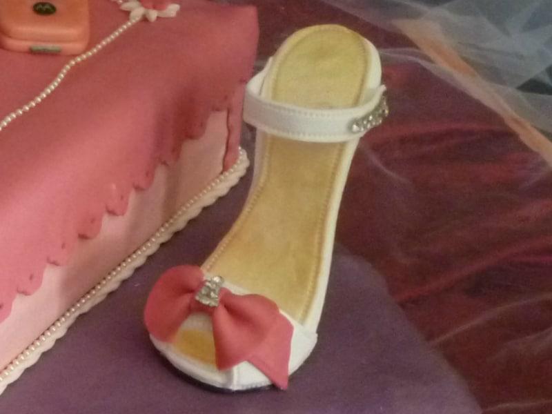 scarpa in pasta di zucchero