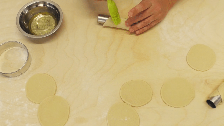 Preparare i Cannoli siciliani