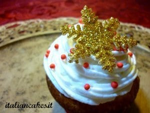 Decorare cupcakes natalizi: il fiocco di neve