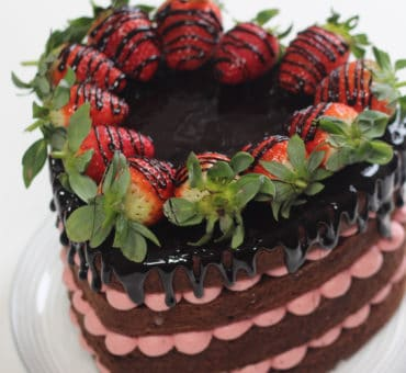 Torte decorate: naked cake di San Valentino