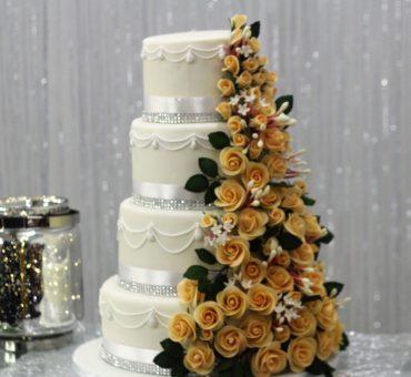 Torta di nozze con pasta di zucchero