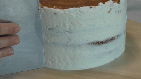 Preparare una naked cake