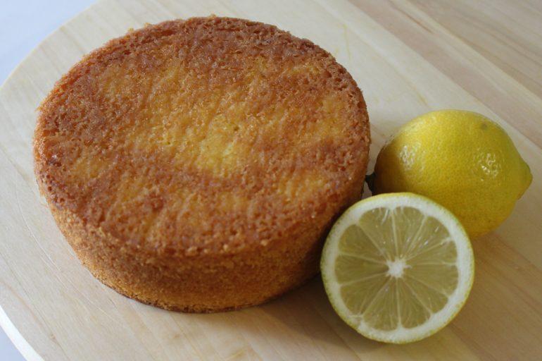Sponge cake al limone