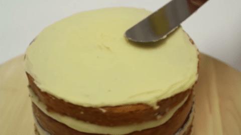 Coprire torte con crema al burro