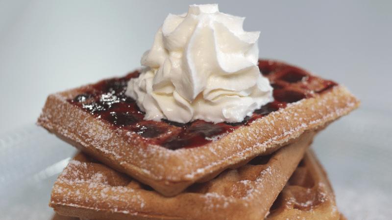 Ricetta waffle con panna