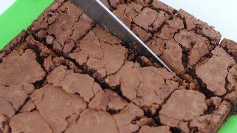 Tagliare i brownies
