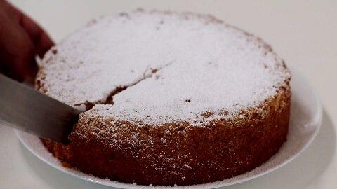 spolverare-con-zucchero-a-velo