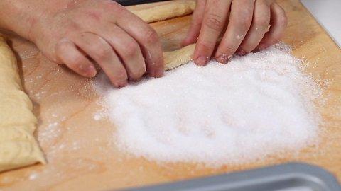 torcetti-zucchero-semolato