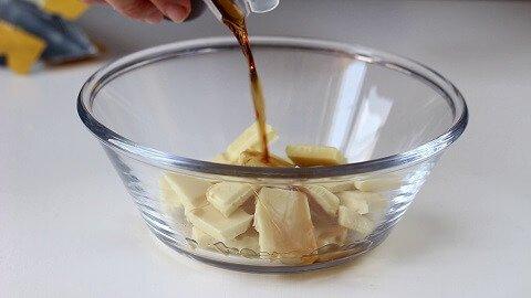 glassa-al-cioccolato-bianco